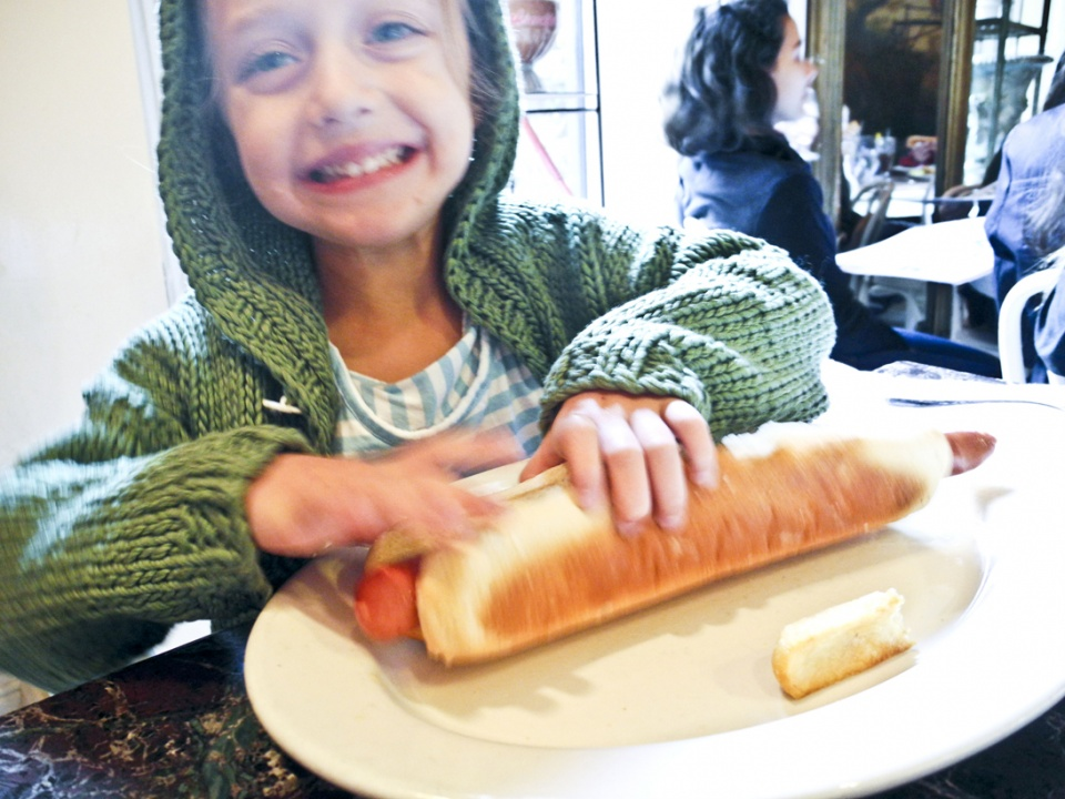 With Kids, Hit Up Serendipity III : The Foot Long Hot Dog